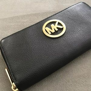 black Leather Micheal Kors Wallet